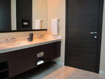 TV in Bathroom (8)
